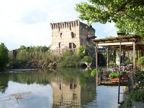 italiainpiega-pieghe-meravigliose-itinerari-moto-pianura-padana-lungo-il-fiume-mincio-borghetto