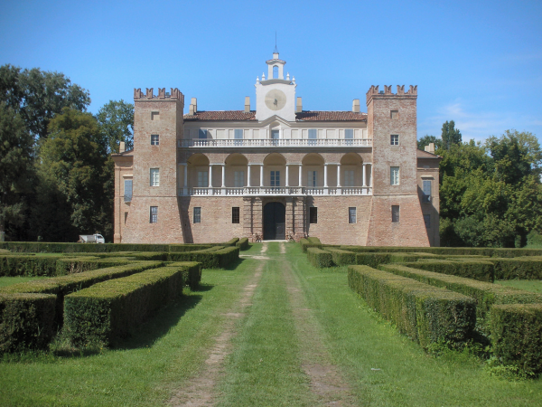 italiainpiega-pieghe-meravigliose-itinerari-moto-pianura-padana-parco-oglio-sud-sangiovanniincroce-villa-medici-del-vascello
