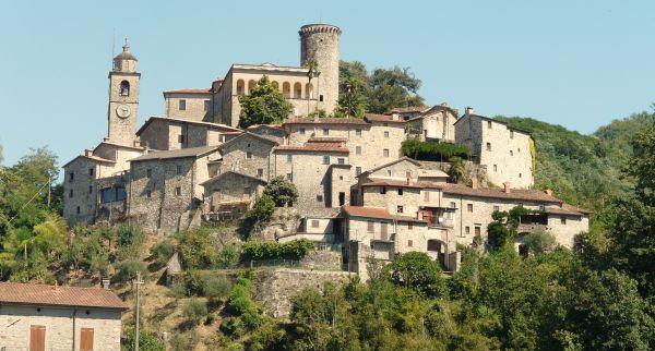 italiainpiega-pieghe meravigliose-itinerari-moto-nord-italia-passo del lagastrello-bagnone