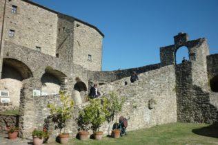 italiainpiega-pieghe meravigliose-itinerari-moto-nord-italia-passo del lagastrello-pontremoli 2