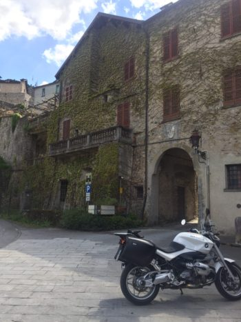 italiainpiega-motoenonsolomoto-4 passi appenninici-compiano 1