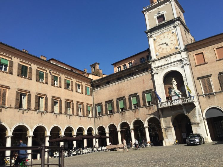 italiainpiega-pieghe meravigliose-itinerari moto pianura padana-la via del gusto ovest-est-modena 1