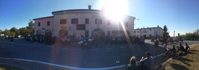 italiainpiega-pieghe meravigliose-itinerari-moto-nord-italia-piemonte 1-montezemolo-bar 4 venti