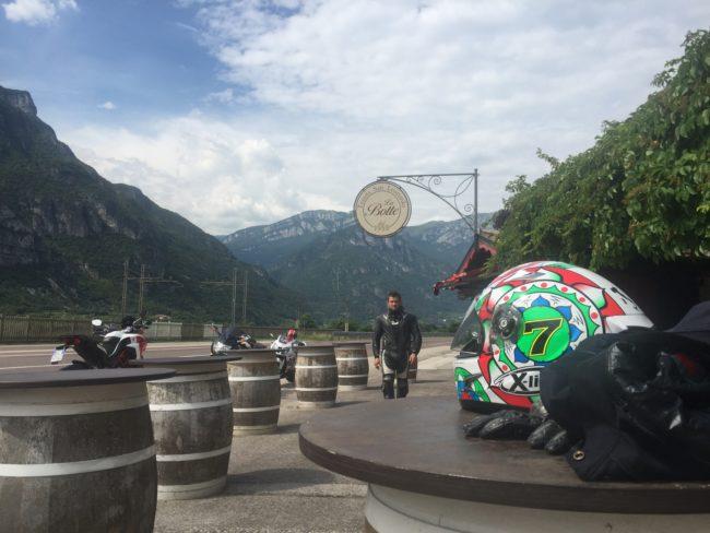 italiainpiega-pieghe meravigliose-itinerario moto nord italia-lago di braies-bar tenuta la botte