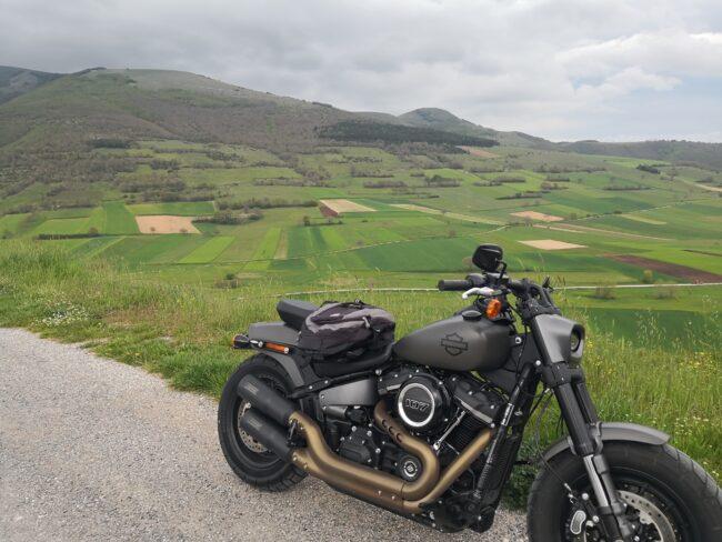 italiainpiega-pieghe meravigliose-itinerari moto centro italia-tour acque minerali-collecroce