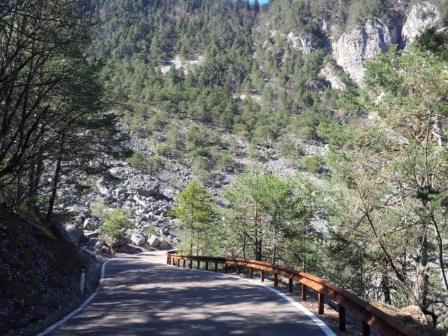 italiainpiega-pieghe meravigliose-itinerari moto nord italia-val di non-lago di tovel 1